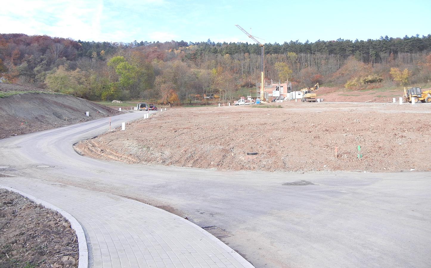 Wohngebiet Jena Ilmnitz - Die Erschließungsstrasse wurde fertiggestellt.